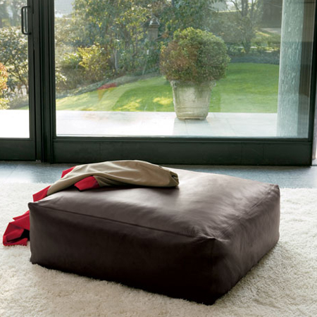 Showroom - Furniture - Poufs and Ottomans - Mousse