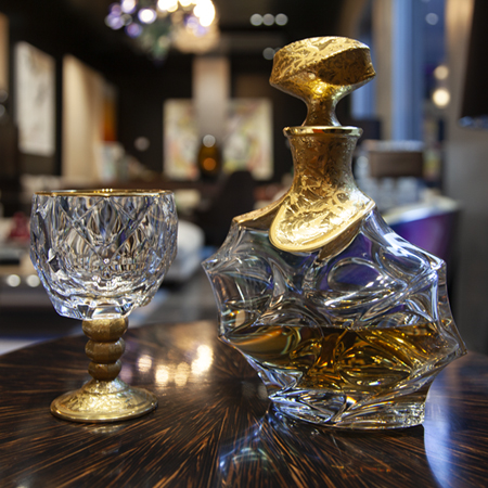 Showroom - Accessories - Decanters and Wine Glasses - Decanter Bottle Gold