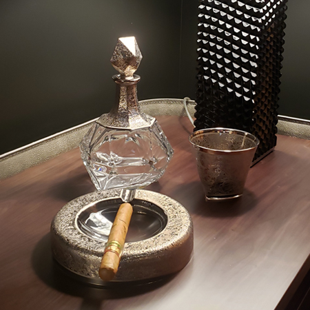 Showroom - Accessories - Decanters and Wine Glasses - Decanter Bottle Platinum